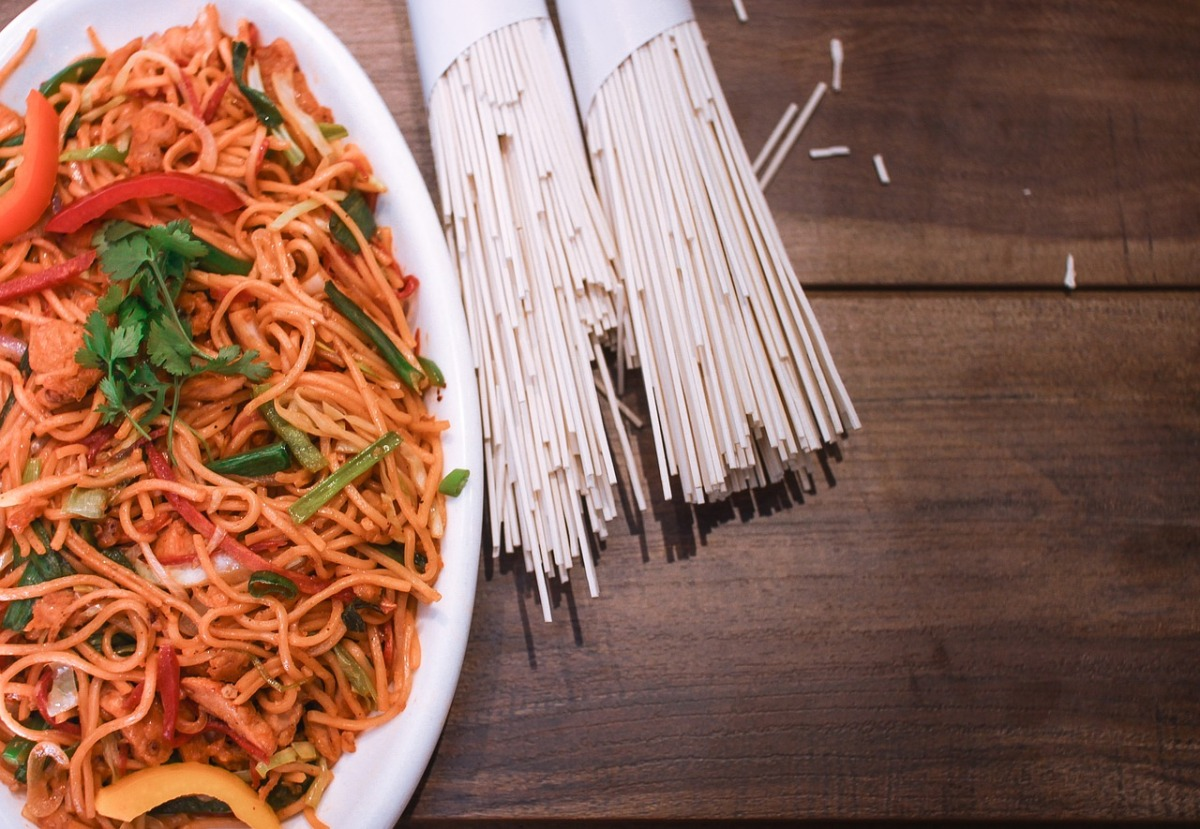 Chicken shezwan noodles sauce